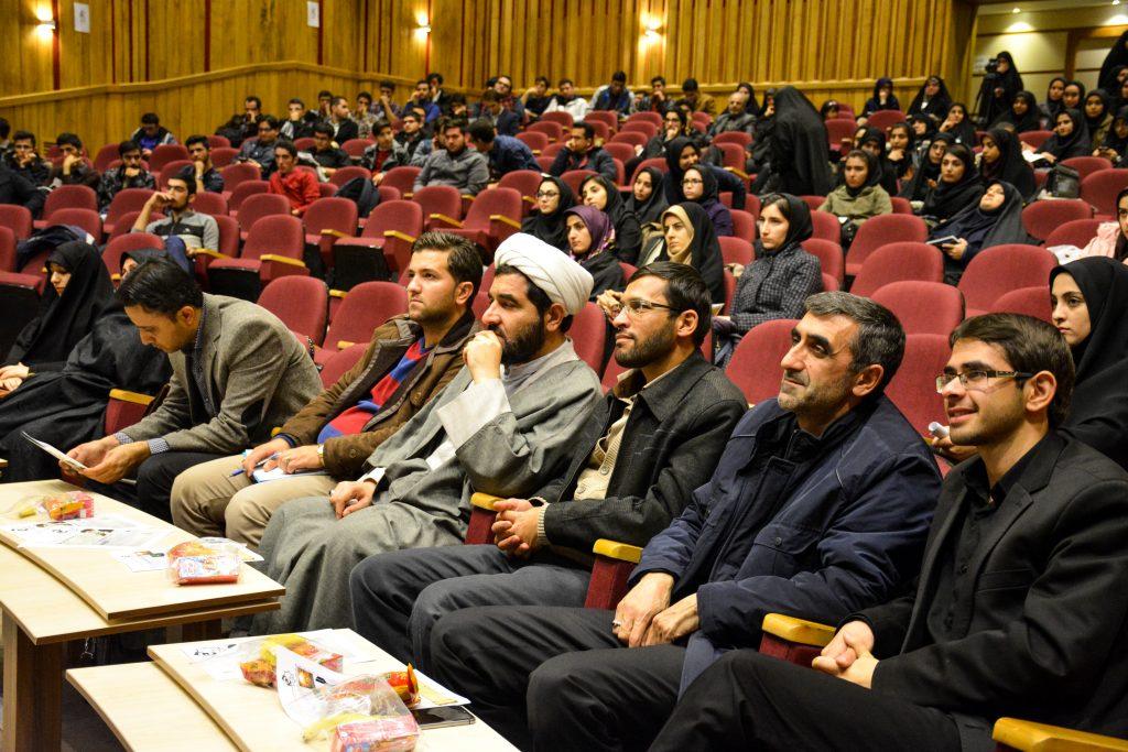940825.tabriz.4 1024x683 - تصاویر همایش آخرالزمان و بازی های رایانه ای دانشگاه علوم پزشکی تبریز