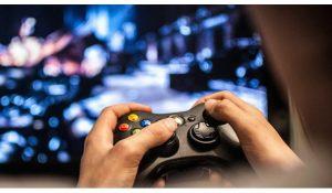 video.game .1 300x175 - راهنمای والدین | آیا بازی ندای وظیفه جنگ سرد مناسب فرزند من است؟