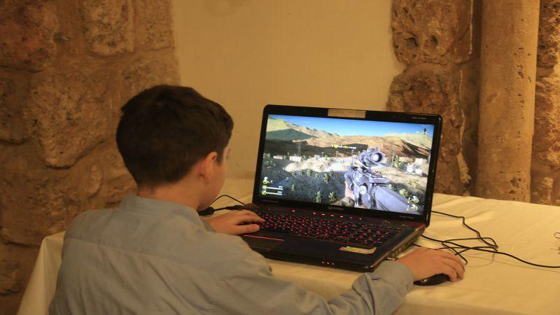 """lvl220180301025018 - تصاویر: رونمایی از بازی """"دفاع مقدس"""" حزب الله لبنان"""
