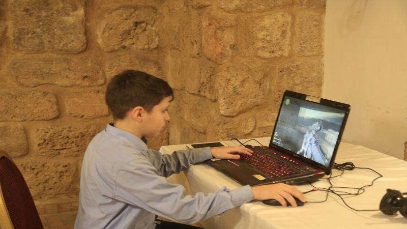 """lvl220180301025022 - تصاویر: رونمایی از بازی """"دفاع مقدس"""" حزب الله لبنان"""